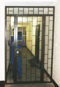 дверь в общем коридоре